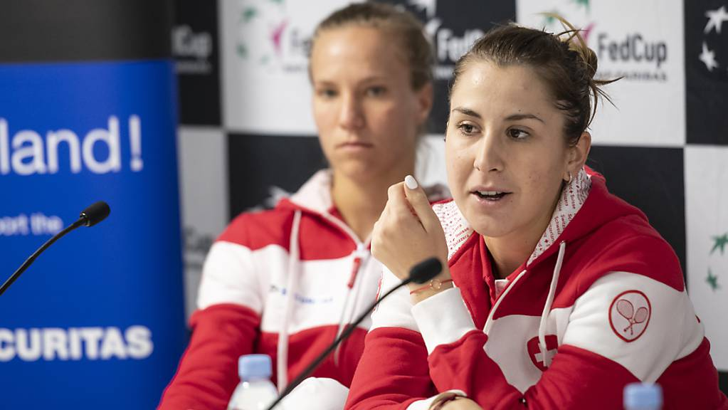 Belinda Bencic (vorne) und Viktorija Golubic spielen in Eastbourne anders als im Fed Cup gegeneinander.
