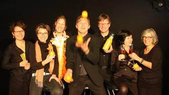 Die Niederlenzer Kulturkommission freut auf die neue, in Orange gehaltene Cholechäller-Saison. mch