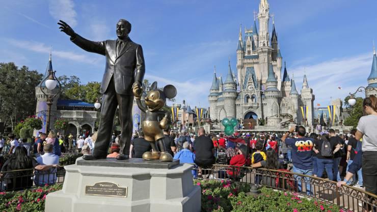 Erfolgreiche Filme und die Freizeitparks haben dem Walt-Disney-Konzern im abgelaufenen Geschäftsquartal gute Resultate beschert. (Archivbild)