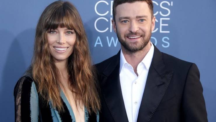 Dafür, dass sie einen zweijährigen Messie zu Hause haben, sehen US-Schauspielerin Jessica Biel und ihr Ehemann, Sänger und Schauspieler Justin Timberlake, ziemlich entspannt aus. (Archivbild)