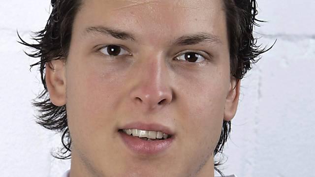 Der Eishockey-Nationalspieler Kevin Lötscher liegt nach einem Unfall im künstlichen Koma.