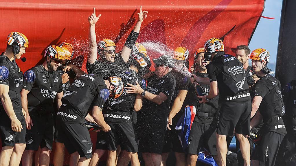 Das Team New Zealand feiert den vierten Sieg beim America's Cup.