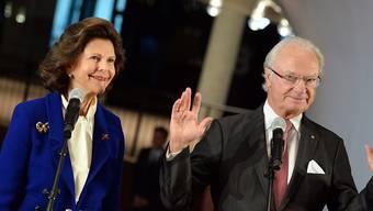 Der schwedische König Carl Gustaf und Königin Silvia in der neuen Elbphilharmonie in Hamburg.