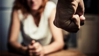 Die Geschichte wiederholt sich: Monika wurde als Kind von ihrem Vater geschlagen, später hatte ihr Ehemann sie in seiner Gewalt (Symbolbild). Thinkstock
