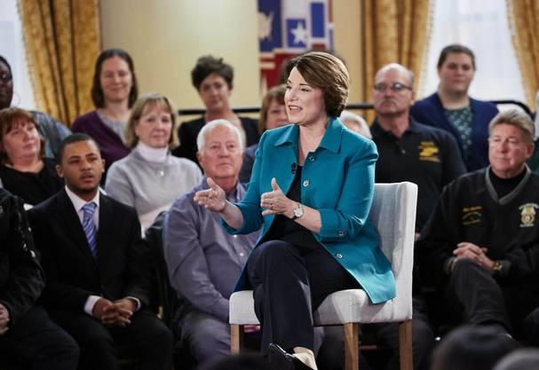 Biden bei zweiter Debatte der Präsidentschaftsbewerber unter Druck