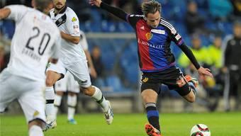 Luca Zuffi erzielt das 1:0 gegen Lugano mit einem satten Distanzschuss.