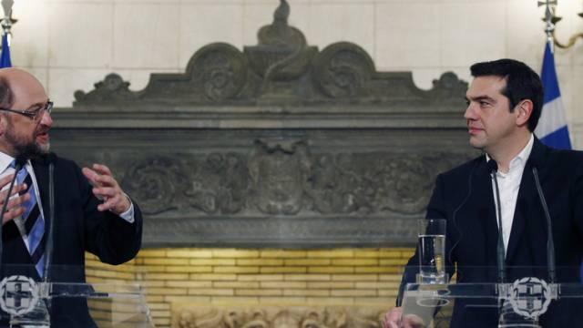 Regierungschef Tsipras (l) und EU-Parlamentspräsident Schulz