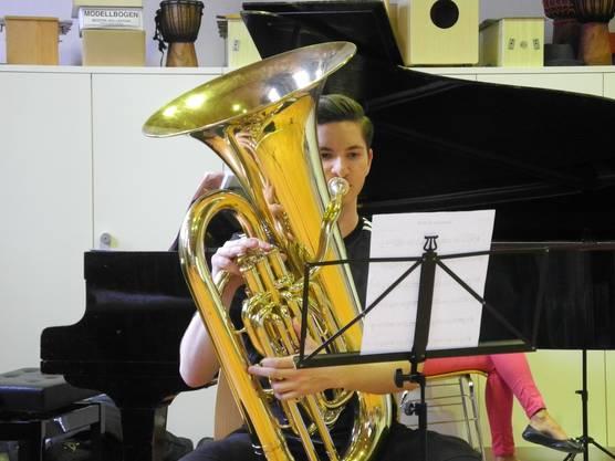 «Ich spiele mit der Tuba in der Stadtjugendmusik.»