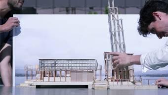 Der Pavillon of Reflections im See beim Bellevue wird ein Zentrum der Kunstausstellung Manifesta, die ab Juni 2016 in Zürich stattfindet. ETH Studio Emerson/zvg
