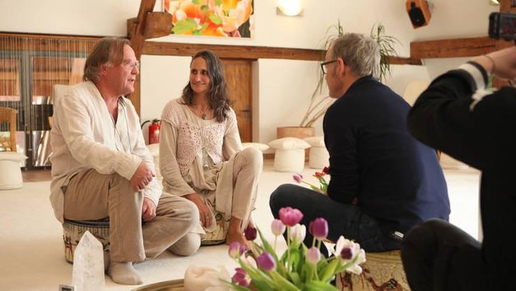 Reinhold Beckmann im Interview mit Samuel Widmer und Danièle Nicolet Widmer.