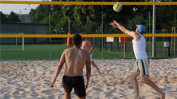 Normal, und für viele doch ganz anders: Die homosexuellen Volleyballer von Lesbian & Gay Sport. zvg