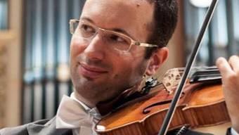 Jonas Erni (an der Violine) und André Stocker (Organist) präsentieren «Violinkunst» in der Kirche.