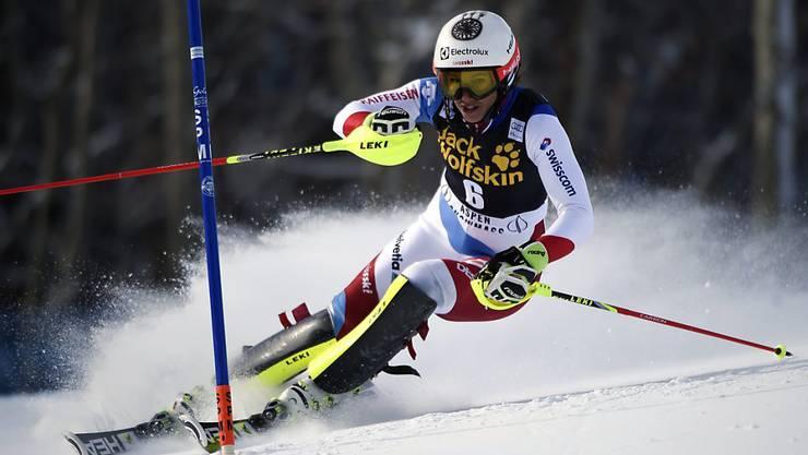 Wendy Holdener liegt nach dem ersten Slalom-Lauf in Are nur wenig hinter den Podestplätzen