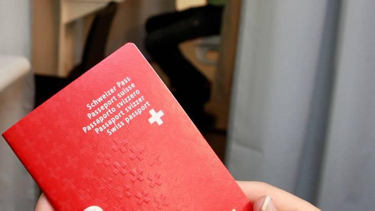 Statt an der Gemeindeversammlung soll neu der Spreitenbacher Gemeinderat über Einbürgerungsgesuche entscheiden können.