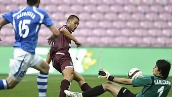 Goran Karanovic erzielt gegen Hüter George  Beglarjan das 1:0.