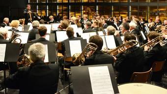 Carlo Balmelli dirigiert die «Konkordia»Egerkingen, das einzige so reich besetzte Blasorchester in der Region.