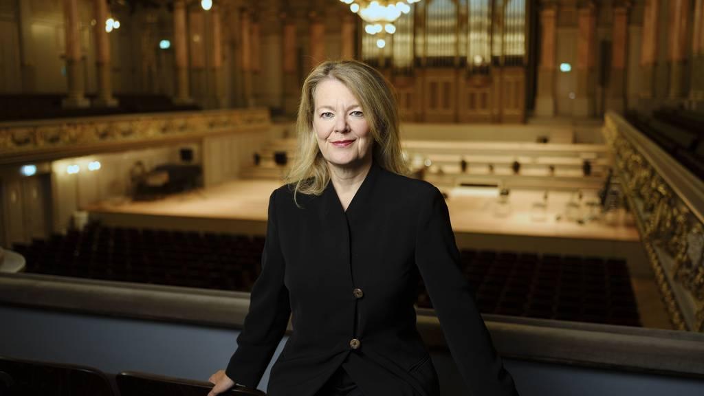 Heute Abend kehrt das Tonhalle-Orchester Zürich in seine Heimstätte zurück: Ilona Schmiel vergleicht die neue Tonhalle mit dem Konzerthaus des Wiener Musikvereins, dem Concertgebouw in Amsterdam oder der Symphony Hall Boston.