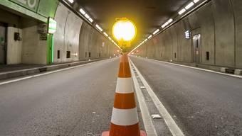 Drei Stunden gesperrt, weil ein Automotor in Brand geriet: Der Gotthard-Strassentunnel. (Symbolbild)