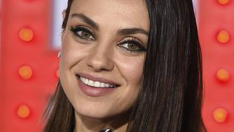 "Mila Kunis bei der Ankunft zur Premiere von ""A Bad Mom's Christmas"" im Regency Village Theater in Los Angeles am 30. Oktober 2017."