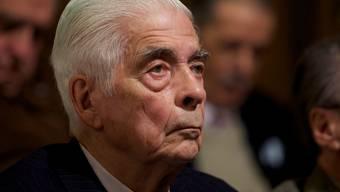 Ein Gericht sprach den degradierten General Luciano Benjamín Menéndez in 54 Fällen von Mord, 656 Fällen von Folter sowie 257 Fällen von Entführungen schuldig. (Archivbild)