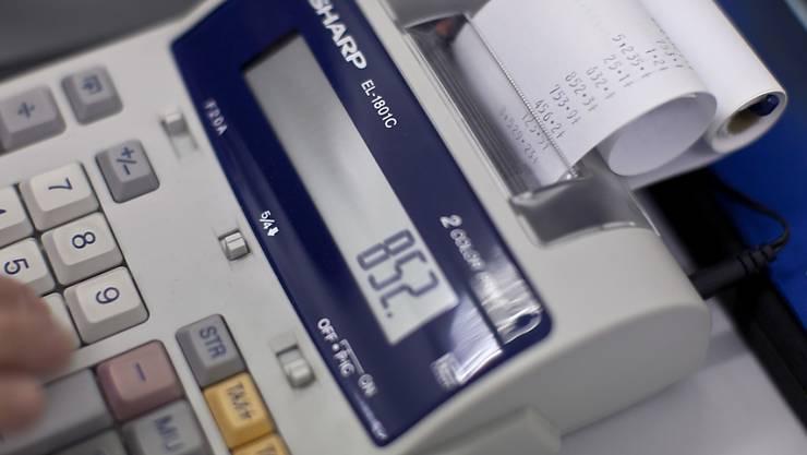 Zwar rechnet die Mehrheit der Kantone für 2018 mit einem Überschuss, doch viele müssen weiterhin auf die Kostenbremse drücken.