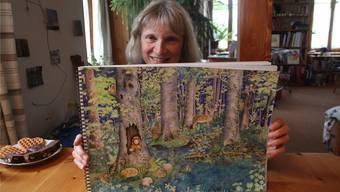 Elisabeth Heuberger verbringt Stunden in der Natur, um zu malen – detailgetreu, denn für sie ist jedes Blatt wichtig.