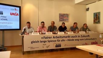 Vertreter von Branchenverbänden und Gewerkschaften zeigen sich vereint gegen die geplanten Änderungen der gesetzlichen Grundlagen in der Schwarzarbeitsbekämpfung.