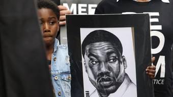 Kundgebung Mitte April für die Freilassung von Rapper Meek Mill. Inzwischen ist er auf freiem Fuss und freut sich, dass er seinen Fall in einer kritischen Film-Doku über das US-Justizsystem darlegen darf.