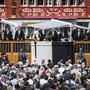 Die Appenzell Innerrhoder Landsgemeinde vom 29. April hiess einen 41-Millionen-Kredit für einen Spital-Neubau gegen starken Widerstand gut. Gegner kritisierten Landammann Daniel Fässler (am Rednerpult) für dessen Versammlungsführung. Die Regierung weist die Vorwürfe im Nachhinein zurück.