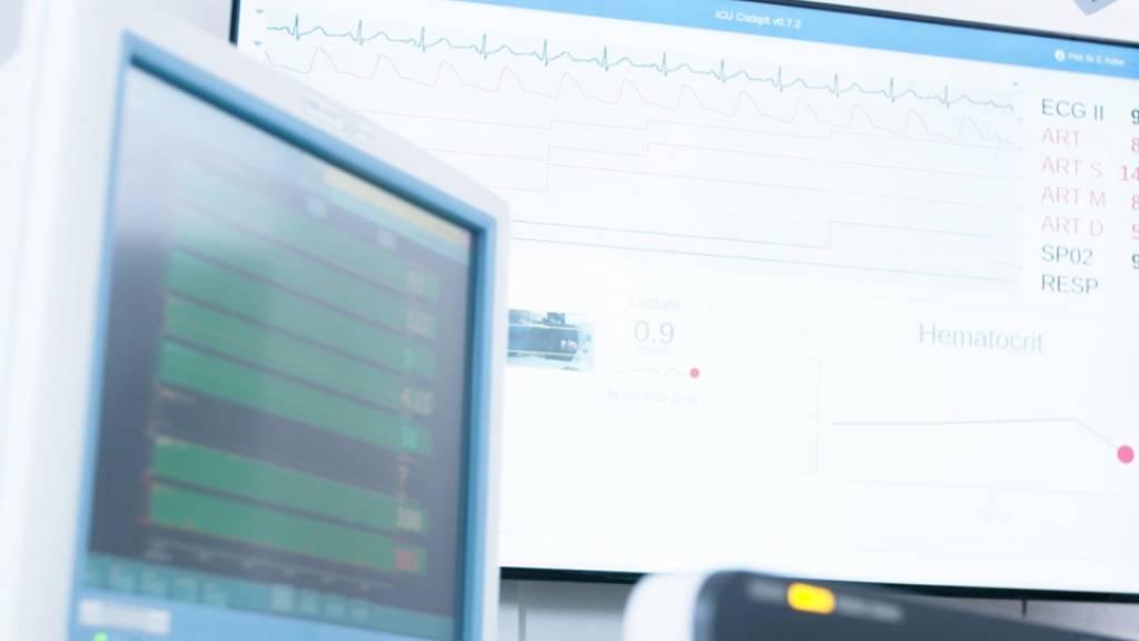Patienten auf der Intensivstation werden eng überwacht. Bei der Datenanalyse könnten künftig lernende Algorithmen helfen.