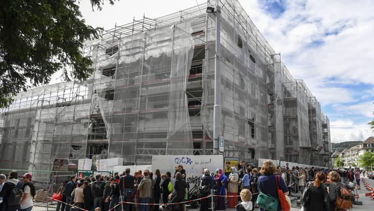 Noch nicht einmal fertig gebaut und bereits unzählige Interessierte für die Wohnungen Kronenwiese