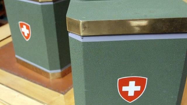 Die Wahl-Urnen stehen bereit (Archiv)