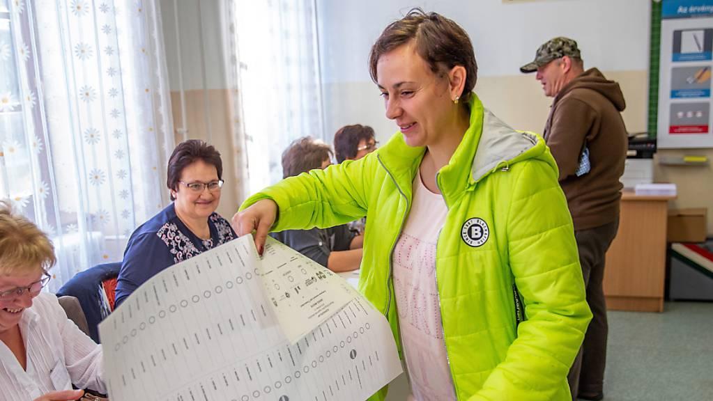 In Ungarn konnten acht Millionen Bürger  in mehr als 3000 Gemeinden die Bürgermeister und Gemeindevertretungen wählen.