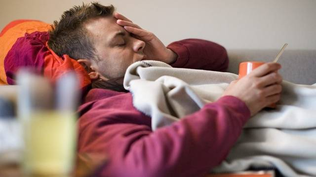 Diagnose und Arztzeugnis lassen sich nun direkt aus dem Bett bestellen.  (Symbolbild)