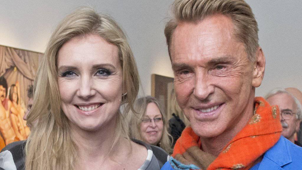 Modeschöpferin Jette Joop - hier mit ihrem Vater Wolfgang -  hat eine Modekollektion entworfen, die sich jeder leisten kann (Archiv).