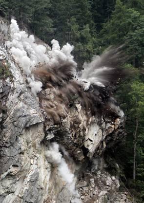 Bei der Explosion wurden 2500 Kubikmeter Gestein weggesprengt.