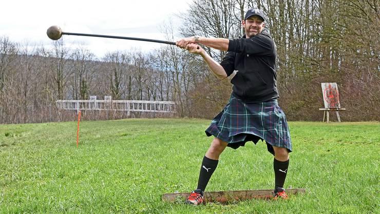 Hammerwerfen ist eine der Disziplinen, welche an den Highland Games Mittelland an diesem Wochenende ausgeübt werden.