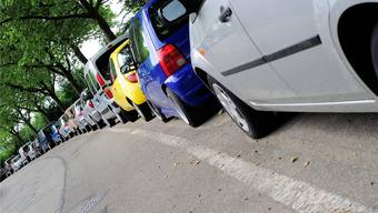 Parkplätze sind in Basel ein knappes Gut – auch in Wohnquartieren.