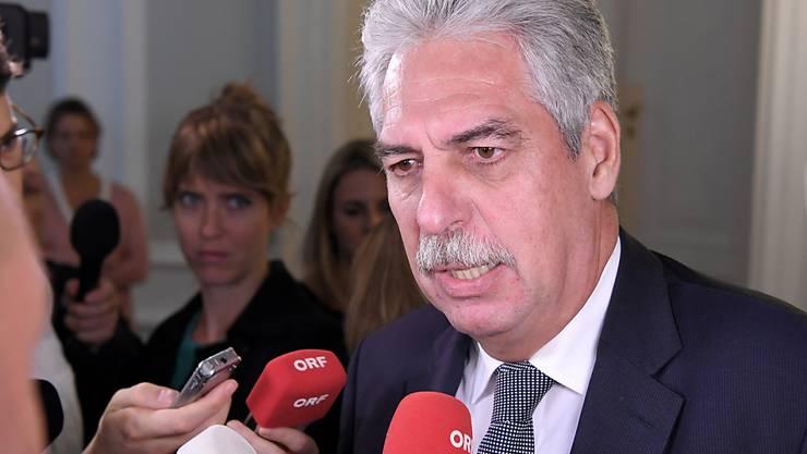 Österreichs Finanzminister Hans Jörg Schelling ist zuversichtlich, dass der Streit rund um die Skandalbank Hypo Alpe Adria bald beigelegt werden kann.