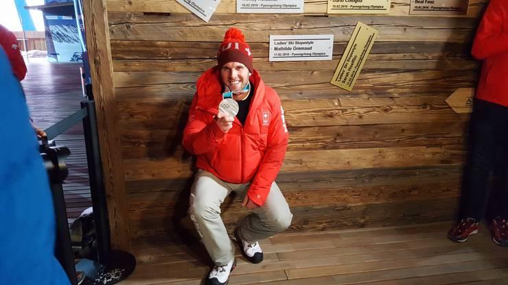Marc Bischofberger gewinnt Silber beim Ski Cross. Wir gratulieren!