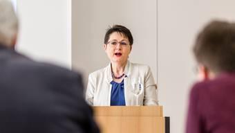 Die SVP-Regierungsrätin Franziska Roth ist seit 100 Tagen im Amt. Bei der Pressekonferenz im Pflegezentrum Süssbach in Brugg gibt die Vorsteherin des Departements Gesundheit und Soziales einen Überblick über ihre ersteen Eindrücke.