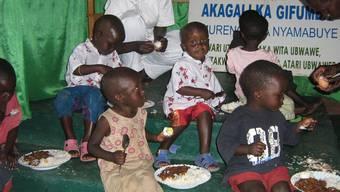 Viele Kinder sind in Ruanda unterernährt. Im Waisenhaus werden sie versorgt.
