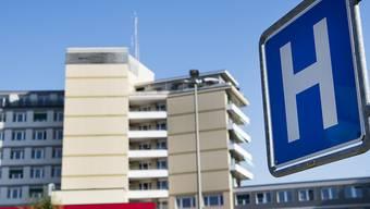 Eines der fünf Spitäler der HFR-Spitalgruppe: das Freiburger Kantonsspital in Freiburg. (Archivbild)