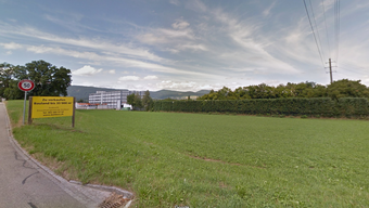 An der Ecke Bodenacker/Hardstrasse befindet sich die Parzelle, auf welcher das Unternehmen einen neuen Werkhof für sein Baugeschäft einrichten möchte.