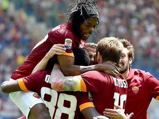 Bei der AS Roma durfte Doumbia (2. von links) nur selten jubeln.