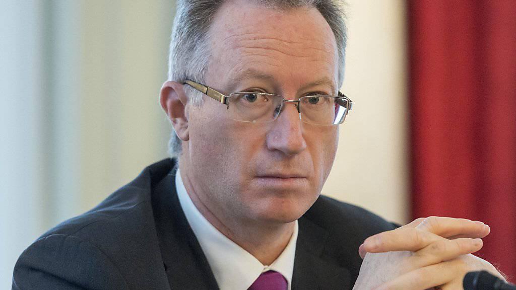 Yves Mirabaud, Präsident der Vereinigung Schweizer Privatbanken (VSPB), spricht an der Medienkonferenz am Donnerstag in Bern über die Haltung des Verbands zur sogenannten Matter-Initiative.