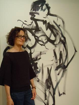 Drahu Kohout vor einem Bild von Marinka Limat
