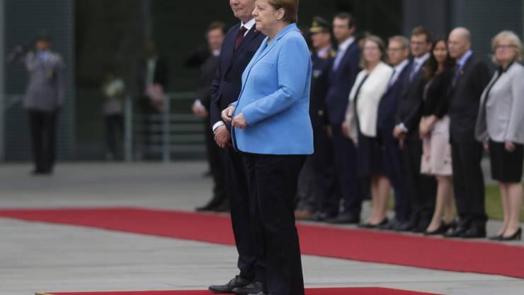 Beim Empfang des finnischen Ministerpräsidenten Antti Rinne hatte die deutsche Kanzlerin Angela Merkel erneut einen Zitteranfall.