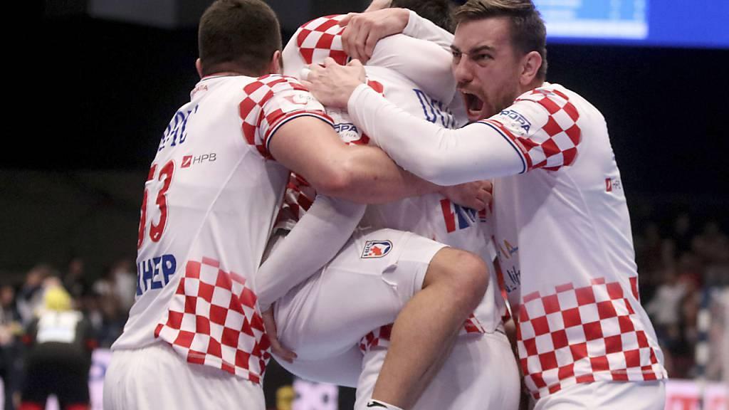 Kroatien und Spanien unbesiegt in den Halbfinals