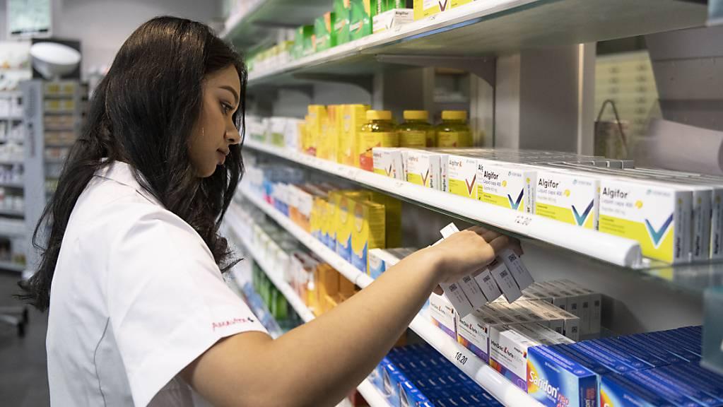 Der Apotheken- und Gesundheitskonzern Galenica hat in der ersten Jahreshälfte Hamsterkäufe von Medikamenten zu spüren bekommen. (Archiv)